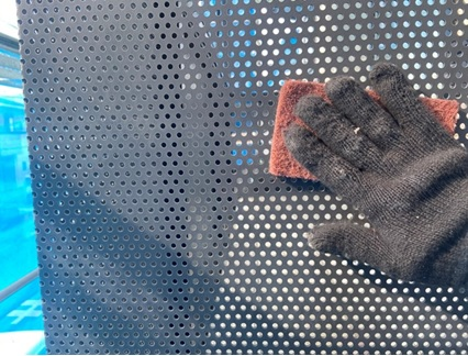 ベランダ:パンチング板